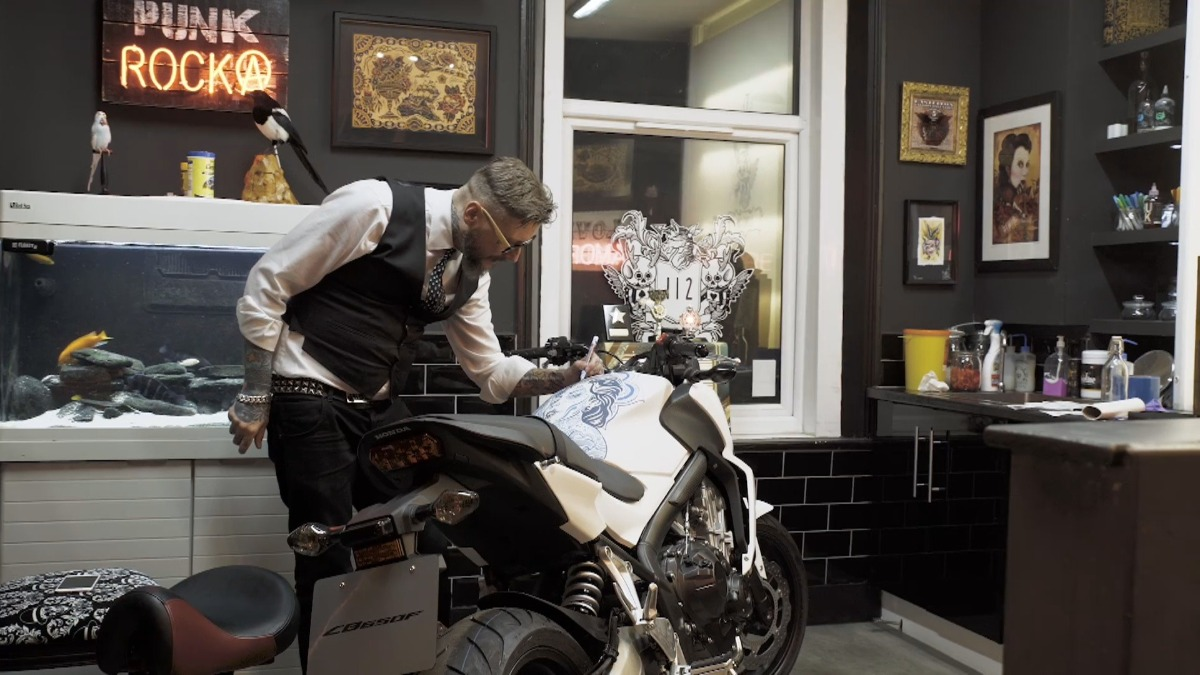 Dan Gold, Dan Gold, Honda, Motorcycle Live Show, motorcycle, painted motorcycles